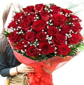 Kız isteme çiçeği buketi 33 adet kırmızı gül  Ankara çiçek gönderme sitemiz güvenlidir
