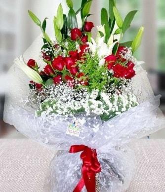 Kız isteme buketi lilyum gül  Ankara çiçek gönderme