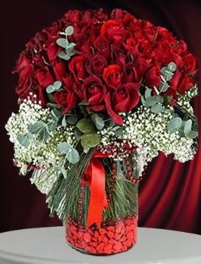 Cam vazoda 51 adet gül söz nişan çiçeği  Ankara çiçek gönderme