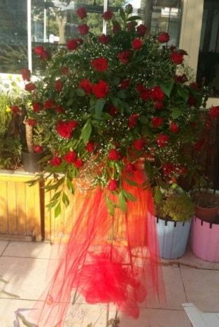 71 adet kırmızı gülden ferförje çiçeği  Ankara çiçek satışı