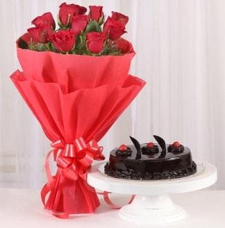 10 Adet kırmızı gül ve 4 kişilik yaş pasta  Ankara internetten çiçek satışı