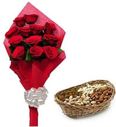 11 adet kırmızı gül ve sepette kuruyemiş  Ankara internetten çiçek satışı