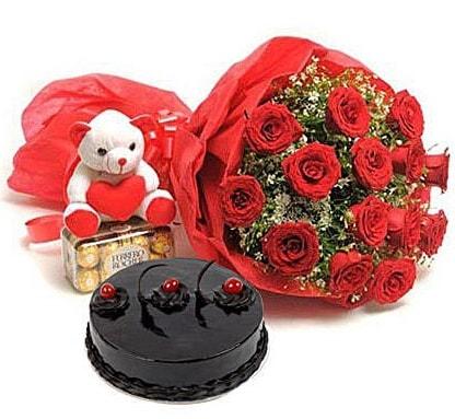 12 kırmızı gül ayıcık çikolata ve yaş pasta  Ankara çiçek gönderme