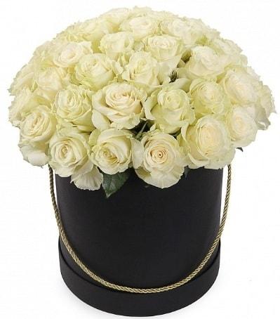 33 Adet beyaz gül özel kutu içerisinde  Ankara internetten çiçek satışı